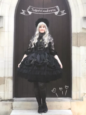 Gothic coord for a Hime an...