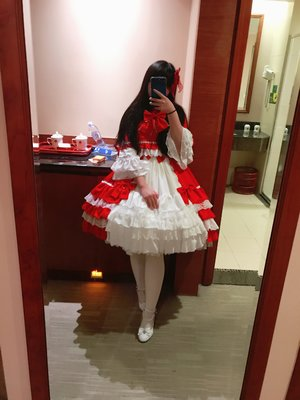 啊。这条的裙摆可以说是非常华丽好看了!!w好喜欢www