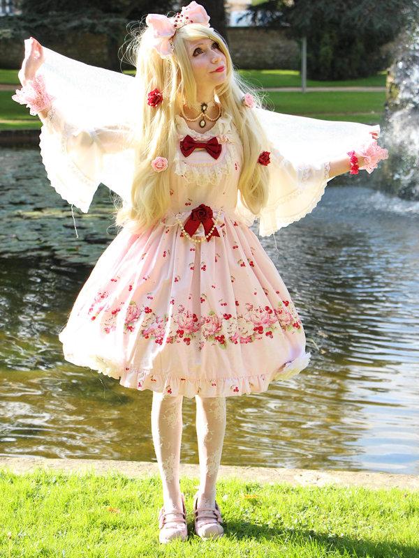 A Hime Lolita coordination...