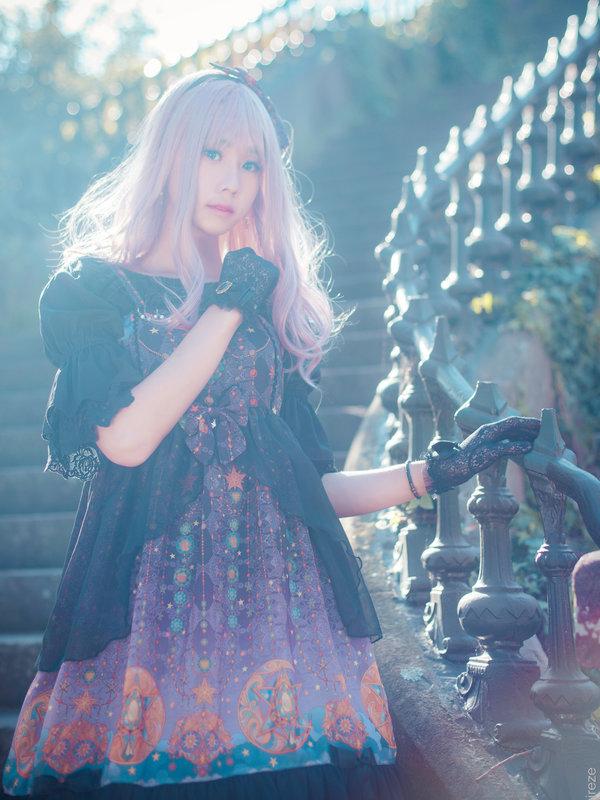 本周的主题是紫色迷雾噢?让我拿旧图来混一混先!嘻嘻嘻嘻