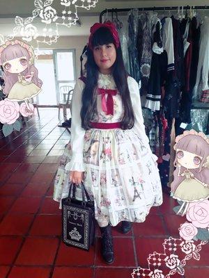 Ana Carolina Kusukiの「Lolita」をテーマにしたファッションです。(2018/03/06)