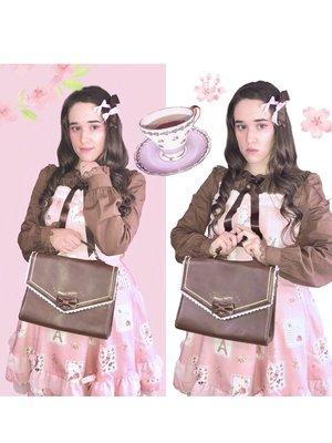 Kay DeAngelisの「Lolita」をテーマにしたファッションです。(2018/03/08)