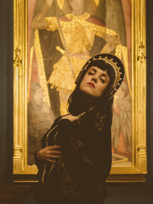 Issisの「Gothic」をテーマにしたファッションです。(2018/03/13)