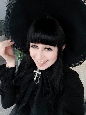 是Perenelle Pitout以「Lolita」为主题投稿的照片(2018/03/13)