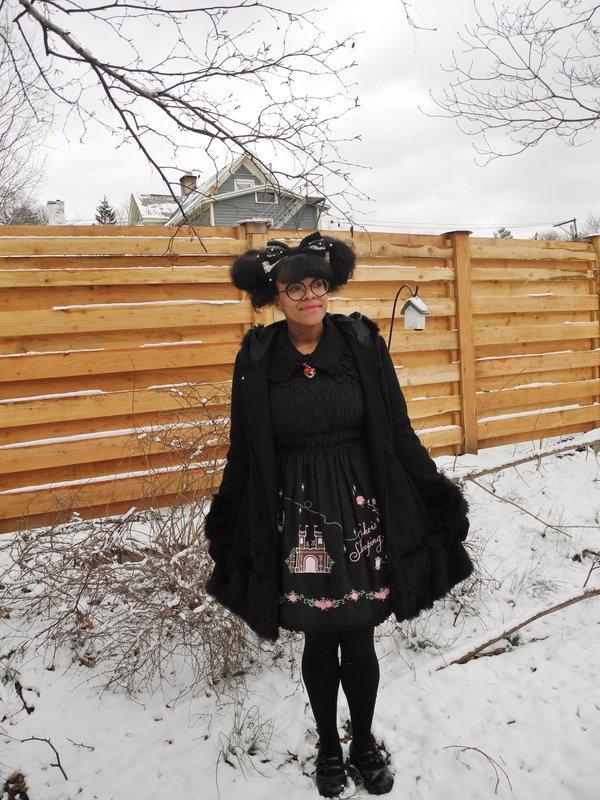 Quillaの「Coat」をテーマにしたファッションです。(2018/03/14)