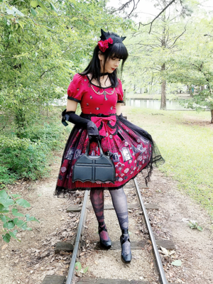 Eugenia Salinasの「harajuku-coordinate-contest-2018」をテーマにしたファッションです。(2018/04/18)
