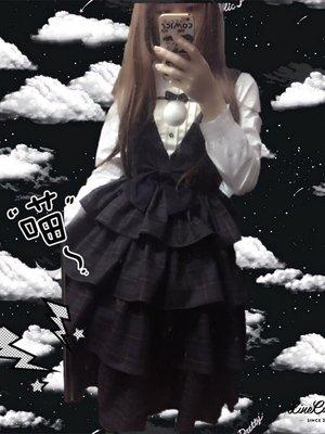 小裙子:苏菲的世界 衬衫:地球人衬衣 假毛:一条鱼 ...