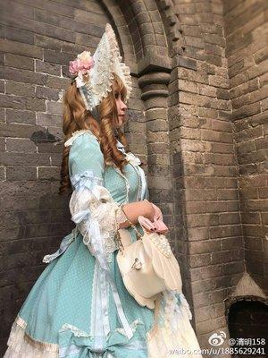 翠绶带,搭配了自制的bonnet
