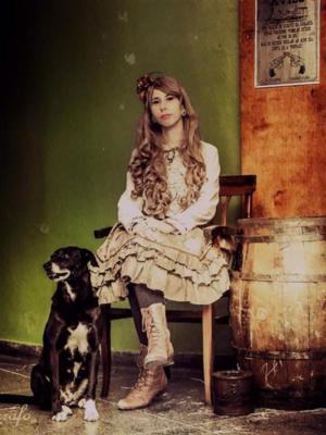 Laura Pereiraの「STEAMPUNK」をテーマにしたファッションです。(2017/08/12)