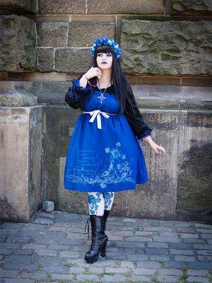 EvilQueenの「Moi-Meme-Moitie」をテーマにしたファッションです。(2017/08/17)