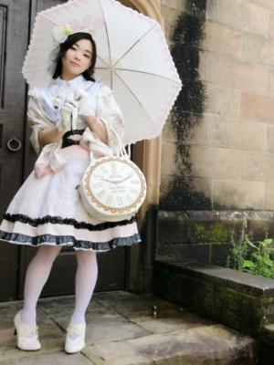 ゆずぽむの「白ピンクコーデ」をテーマにしたファッションです。(2017/08/23)