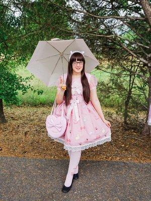 HimeKitsuの「Pink」をテーマにしたファッションです。(2016/08/08)