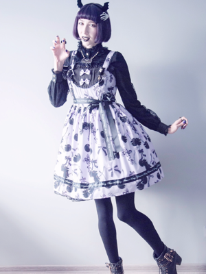 Creepy cute coord with Dia...